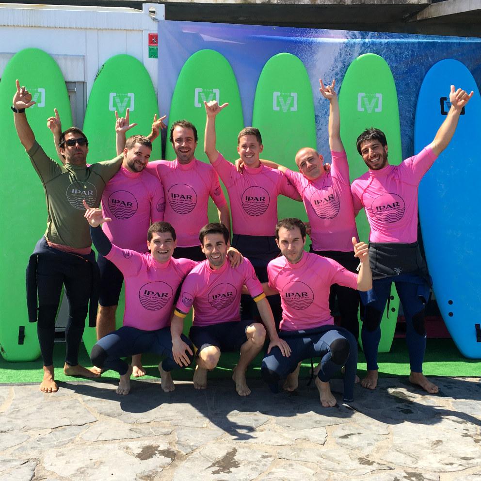 Ipar Surf Skate Eskola - grupo clase de surf