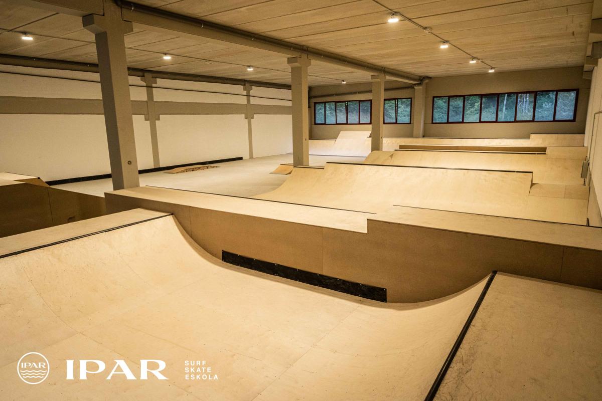 IPAR skate eskolako skatepark estalia Eibarren