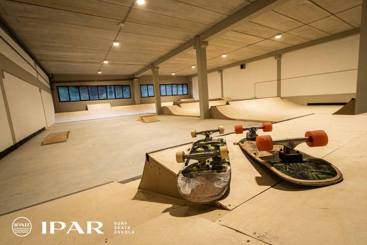 IPAR patineta eskolako skatepark estalia Eibar - Matsaria 34 - 1C